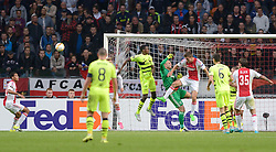 17-09-2015 NED: UEFA Europa League AFC Ajax - Celtic FC, Amsterdam<br /> Ajax heeft in zijn eerste duel in de Europa League thuis moeizaam met 2-2 gelijkgespeeld tegen Celtic / Jasper Cillessen #1, Diederik Boer #33