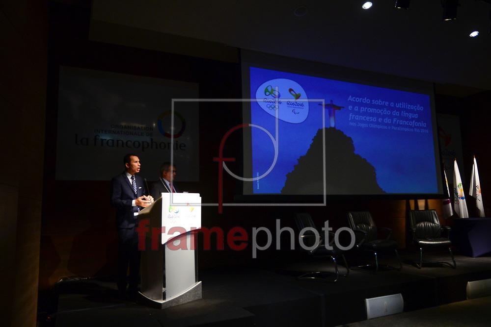 O Comitê Organizador dos Jogos Rio 2016 celebra acordo com a Organisation Internationale de la Francophonie (OIF) para estimular o uso da língua francesa durantes os jogos, nesta segunda-feira (23/11) na sede do comitê na Cidade Nova. Foi respeitado um minuto de silêncio antes do evento em respeito as vítimas dos atentados na França e em Mali FOTO: ERBS JR./FRAMEPHOTO