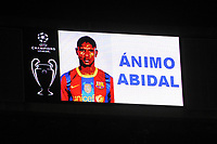 FOOTBALL - CHAMPIONS LEAGUE 2010/2011 - 1/8 FINAL - 2ND LEG - REAL MADRID v OLYMPIQUE LYONNAIS  - 16/03/2011 - PHOTO JEAN MARIE HERVIO / DPPI - SUPPORT TO ERIC ABIDAL (FC BARCELONA PLAYER) BEFORE THE MATCH