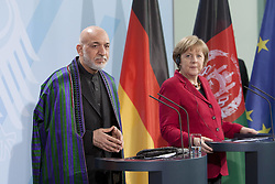 Bildnummer: 57994140..Afghanistan President Hamid Karzai with Chancellor Angela Merkel CDU hold a press conference in Federal Chancellery in Berlin, Wednesday May 16, 2012. Photo By imago/I-Images