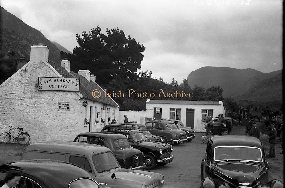 05/05/1958<br /> 05 May 1958<br /> <br /> Kate Kearney's Cottage, Killarney