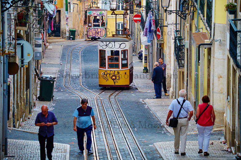 Portugal, Lisbonne, le funiculaire de Bica, reliant le quartier de Bairro Alto aux rives du Tage // Portugal, Lisbon, Bica funicular in Bairro Alto area
