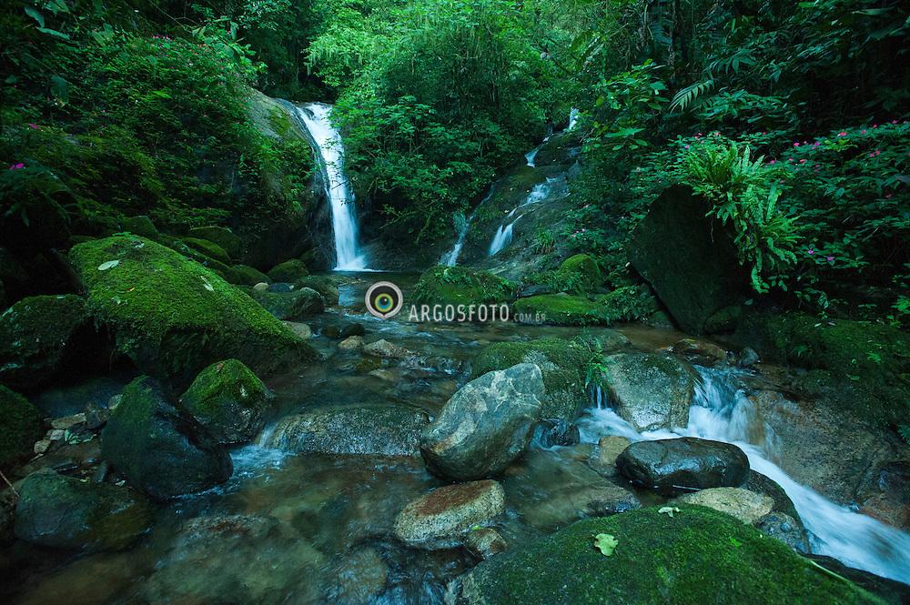 Riacho dentro do Parque Nacional Serra dos Orgaos.  Teresopolis - RJ / A stream at Serra dos Orgaos Nacional Park.