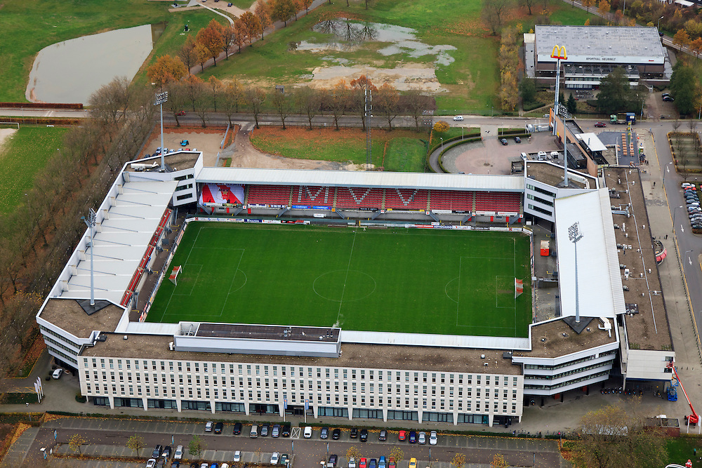 Nederland, Limburg, Maastricht, 15-11-2010;.Stadion van de Maastrichtse voetbalclub MVV. Stadium of the football club MVV Maastricht. luchtfoto (toeslag), aerial photo (additional fee required).foto/photo Siebe Swart