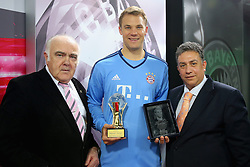 20.05.2015, Saebener Strasse, Muenchen, GER, 1. FBL, Manuel Neuer Europas und Weltsportler 2014, im Bild v.l.: Jochen Zwingmann, Manuel Neuer (FC Bayern Muenchen) und Ioannis Daras // receives the AIPS Player of the Year 2014 award at the Saebener Strasse in Muenchen, Germany on 2015/05/20. EXPA Pictures © 2015, PhotoCredit: EXPA/ Eibner-Pressefoto/ FCB/POOL<br /> <br /> *****ATTENTION - OUT of GER*****