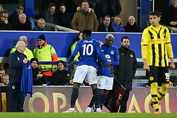 Everton's Romelu Lukaku is substituted for Arouna Kone after picking up a hamstring injury- Photo mandatory by-line: Matt McNulty/JMP - Mobile: 07966 386802 - 26/02/2015 - SPORT - Football - Liverpool - Goodison Park - Everton v Young Boys - UEFA EUROPA LEAGUE ROUND OF 32 SECOND LEG