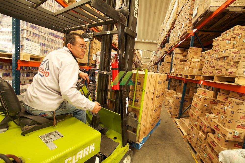 Somos la empresa líder en México en distribución de abarrotes y productos complementarios al mayoreo, medio mayoreo y detalle.