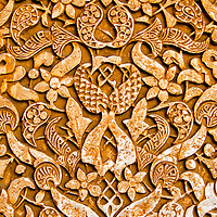 Paredes del los Palacios Nazaries. Conjunto palacial, residencia de los reyes de Granada. Lo empieza a construir el fundador de la dinast&iacute;a, Alhamar, en el s XIII, aunque las edificaciones que han pervivido hasta nuestros d&iacute;as datan, principalmente, del s XIV. Estos palacios encierran entre sus muros el refinamiento<br /> y la delicadeza de los &uacute;ltimos gobernadores hispano-&aacute;rabes de Al Andalus, los Nazar&iacute;es. <br /> La Alhambra es una ciudad palatina andalus&iacute; situada en Granada, Espa&ntilde;a. Formada por un conjunto de palacios, jardines y fortaleza que albergaba una verdadera ciudadela dentro de la propia ciudad de Granada, que serv&iacute;a como alojamiento al monarca y a la corte del Reino nazar&iacute; de Granada, Andalucia. Espa&ntilde;a. Alhambra is a palace and fortress complex located in Granada, Andalusia, Spain. It was originally constructed as a small fortress in 889 and then largely ignored until its ruins were renovated and rebuilt in the mid-11th century by the Moorish emir Mohammed ben Al-Ahmar of the Emirate of Granada, who built its current palace and walls. It was converted into a royal palace in 1333. Granada. Andalusia. Spain
