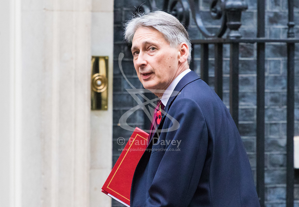 London, November 01 2017. Chancellor of the Exchequer Philip Hammond is seen in Downing street following Prime Minister's Questions in the House of Commons. © Paul Davey
