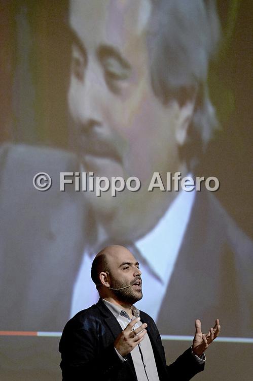 &copy; Filippo Alfero<br /> Salone del Libro 2017<br /> Torino, 21/05/2017<br /> Nella foto: Sala Gialla, Roberto Saviano