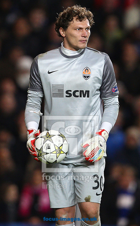 Picture by Paul Terry/Focus Images Ltd +44 7545 642257.07/11/2012.Andriy Pyatov of Shakhtar Donetsk during the UEFA Champions League match at Stamford Bridge, London.