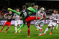 ROTTERDAM - Excelsior - Willem II , Voetbal , Eredivisie , Seizoen 2016/2017 , Stadion Woudestein , 25-02-2017 , Excelsior speler Luigi Bruins (l) in botsing met Willem II keeper Kostas Lamprou (r)