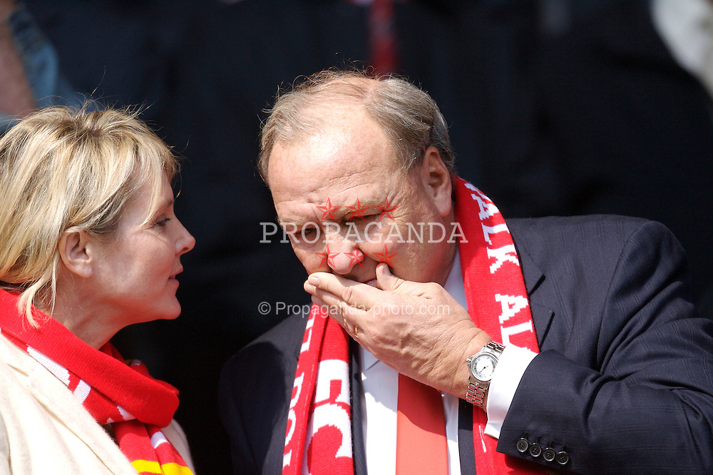 Liverpool, England - Saturday, March 3, 2007: Liverpool's co-owner Tom Hicks and his wife Cinda before the Premiership match against Arsenal at Anfield. (Pic by David Rawcliffe/Propaganda)
