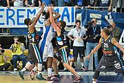 DESCRIZIONE : Cantù Lega A 2014-15 Acqua Vitasnella Cantù Upea Capo D'Orlando<br /> GIOCATORE : Eric Williams<br /> CATEGORIA : Controcampo penetrazione difesa<br /> SQUADRA : Acqua Vitasnella Cantù<br /> EVENTO : Campionato Lega A 2014-2015<br /> GARA : Acqua Vitasnella Cantù Upea Capo D'Orlando<br /> DATA : 04/04/2015<br /> SPORT : Pallacanestro <br /> AUTORE : Agenzia Ciamillo-Castoria/I.Mancini<br /> Galleria : Lega Basket A 2014-2015  <br /> Fotonotizia : Cantù Lega A 2014-2015 Acqua Vitasnella Cantù Upea Capo D'Orlando<br /> Predefinita :