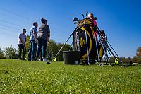 HEEMSKERK - NVG / NGF / Open Golfdagen / Heemskerkse  Golf Club.     kennismaken met golf. driving range, driven'  golfpro Bob ter Punt . COPYRIGHT KOEN SUYK