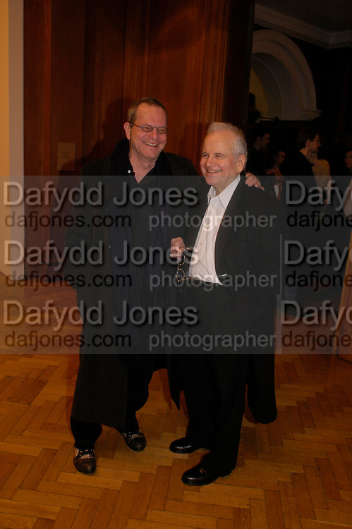 Terry Gillian and Ian Holm. the Triumph of Painting. Part 1. The Saatchi Gallery. 25 January 2005. ONE TIME USE ONLY - DO NOT ARCHIVE  © Copyright Photograph by Dafydd Jones 66 Stockwell Park Rd. London SW9 0DA Tel 020 7733 0108 www.dafjones.com