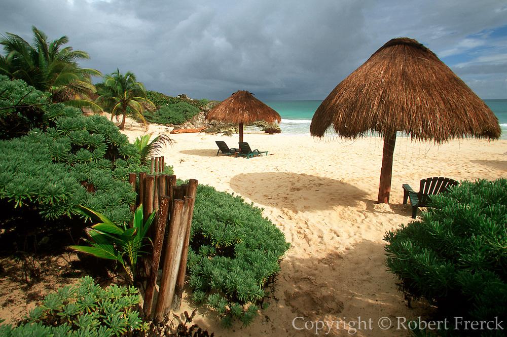 MEXICO, YUCATAN, TOURISM Riviera Maya; Punta Allen beach