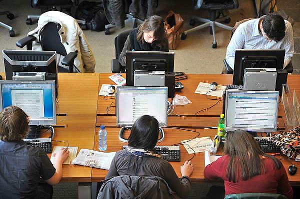 Nederland, Nijmegen, 20-9-2011Studenten in de bibliotheken van de Radboud Universiteit. Hier in de universiteitsbibliotheek.Foto: Flip Franssen/Hollandse Hoogte