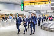 AMSTERDAM - 28-09-2016, Zenit - AZ, vertrek Schiphol, AZ speler Fernando Lewis, AZ speler Iliass Bel Hassani, AZ speler Mats Seuntjens.