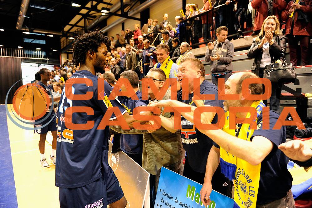 DESCRIZIONE : Handball coupe des coupes 1/4 finale Tremblay Halmstad <br /> GIOCATORE : Bingo Arnaud Supporters Tremblaye<br /> SQUADRA : Tremblay<br /> EVENTO : Coupe d'europe A 2010-2011<br /> GARA : Tremblay Halmstad <br /> DATA : 03/04/2011<br /> CATEGORIA : Handball Coupe d'europe<br /> SPORT : Handball<br /> AUTORE : JF Molliere par Agenzia Ciamillo-Castoria <br /> Galleria : France Hand2010-2011 Action<br /> Fotonotizia : coupe des coupe 1/4 finale Tremblay Halmstad <br />   Match retour a Tremblay