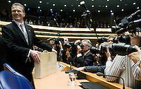 Nederland. Den Haag, 16 september 2008.<br /> Prinsjesdag.<br /> Minister Bos voor de overhandiging van de rijksbegroting in de Tweede kamer. Wouter Bos.<br /> Foto Martijn Beekman<br /> NIET VOOR PUBLIKATIE IN LANDELIJKE DAGBLADEN.