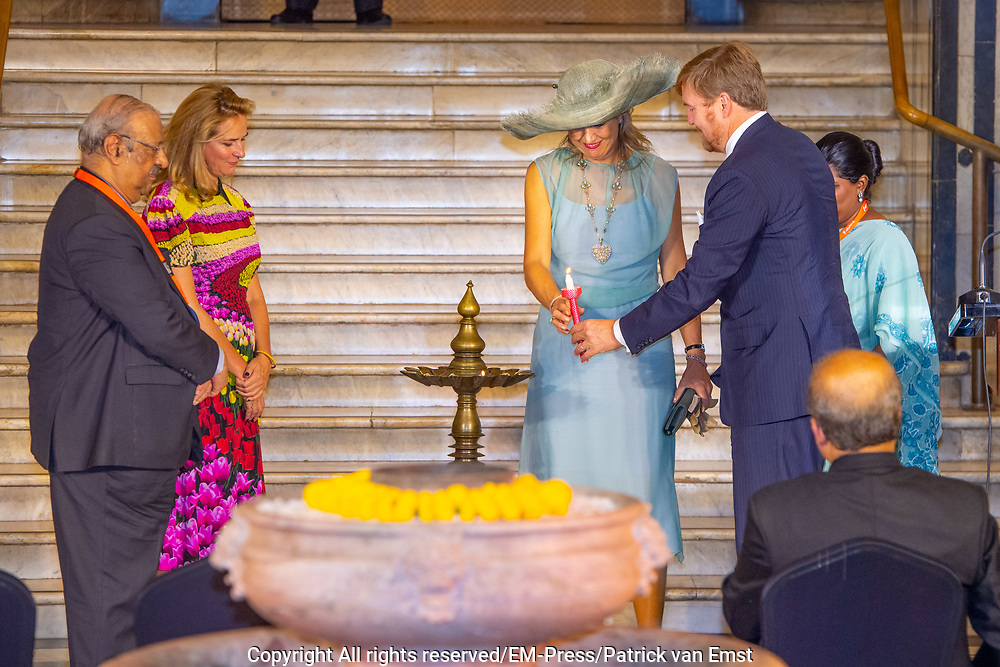 Zijne Majesteit Koning Willem-Alexander en Hare Majesteit Koningin Máxima brengen op uitnodiging van president Ram Nath Kovind een staatsbezoek aan de Republiek India.<br /> <br /> His Majesty King Willem-Alexander and Her Majesty Queen Máxima on a state visit to the Republic of India at the invitation of President Ram Nath Kovind.<br /> <br /> Op de foto / On the photo: Bezoek aan Chhaprati Shivaji museum met opening India & the Netherlands in the Age of Rembrandt""