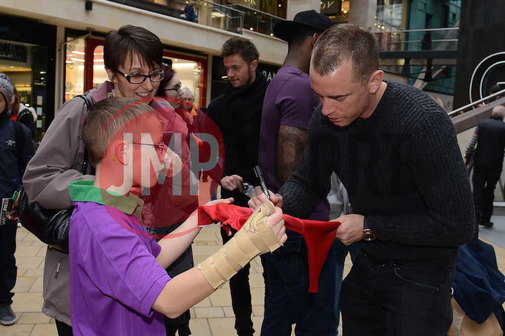 Bristol City's Aaron Wilbraham signs autographs - Photo mandatory by-line: Dougie Allward/JMP - Mobile: 07966 386802 - 11/03/2015 - SPORT - Football - Bristol - Cabot Circus Shopping Centre - Johnstone's Paint Trophy