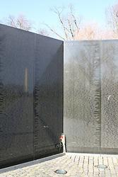 THEMENBILD - Der Memorial Wall besteht aus zwei 75 Meter langen Armen, die sich in einem 125-Grad-Winkel treffen. Reisebericht, aufgenommen am 12. Jannuar 2016 in Washington D.C. // The Memorial Wall consists of two 75-meter-long arms, which meet at a 125 degree angle. Travelogue, Recorded January 12, 2016 in Washington DC. EXPA Pictures © 2016, PhotoCredit: EXPA/ Eibner-Pressefoto/ Hundt<br /> <br /> *****ATTENTION - OUT of GER*****