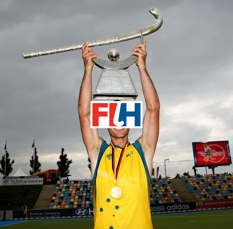 Mens Champions Trophy, Monchengladbach, Germany, 2010<br /> Day 6, 8/8/10, Mens Final, Australia v England<br /> Australia win the 2010 Champions trophy defeating England 4-0<br /> Jamie Dwyer holds the Champions Trophy<br /> Credit: Grant Treeby<br /> <br /> Editorial use only (No Archiving) Unless previously arranged