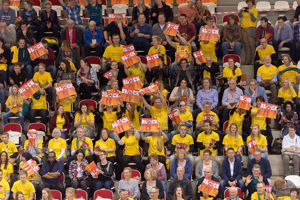 21-02-2016 NED: Bekerfinale Abiant Lycurgus - Landstede Volleybal, Almere<br /> Lycurgus viert een feestje als zij de Nationale beker winnen door Landstede Volleybal met 3-1 te verslaan / Zwolle publiek support block
