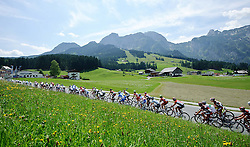 07.07.2011, AUT, 63. OESTERREICH RUNDFAHRT, 5. ETAPPE, ST. JOHANN-SCHLADMING, im Bild das Feld der Fahrer vor der Bergwertung in Abtenau // during the 63rd Tour of Austria, Stage 5, 2011/07/07, EXPA Pictures © 2011, PhotoCredit: EXPA/ S. Zangrando