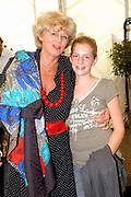 Premiere Cavalia, het showspektakel met 35 topartiesten en 50 paarden in de Big Top op P2 tegenover de Amsterdam ArenA.<br /> <br /> Op de foto: Petra Laseur (dochter van Mary Dresselhuys en Cees Laseur ) met sophie