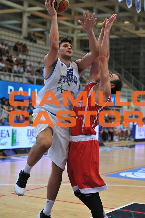 DESCRIZIONE : Trento Trentino Basket Cup Italia Georgia<br /> GIOCATORE : alessandro gentile<br /> CATEGORIA : tiro<br /> SQUADRA : Nazionale Italia Maschile<br /> EVENTO :  Trento Trentino Basket Cup<br /> GARA : Italia Georgia<br /> DATA : 07/08/2013<br /> SPORT : Pallacanestro<br /> AUTORE : Agenzia Ciamillo-Castoria/M.Gregolin<br /> Galleria : FIP Nazionali 2013<br /> Fotonotizia : Trento Trentino Basket Cup Italia Georgia<br /> Predefinita :