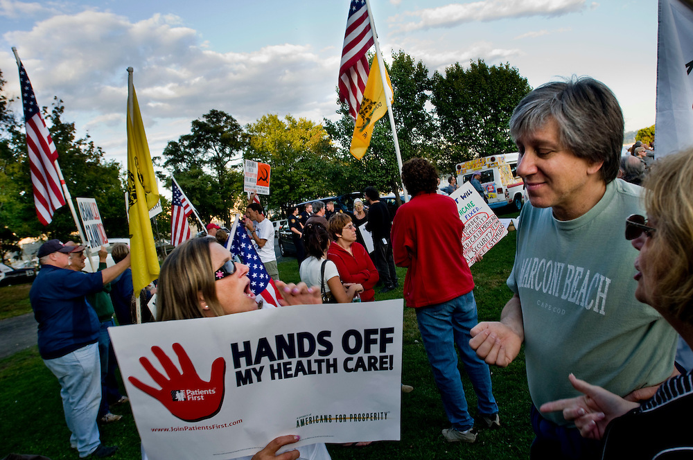 Rally for healthcare reform in Nyack, New York - protesters in firey debate with supporters...Photographer: Chris Maluszynski /MOMENT