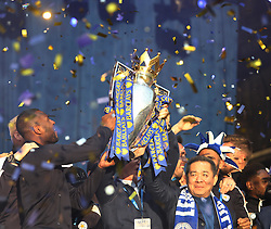 Leicester City players hold up the trophy to fans at Victoria park during the victory celebrations  - Mandatory by-line: Jack Phillips/JMP - 16/05/2016 - FOOTBALL - Leicester City FC, Sky Bet Premier League Winners 2016 - Leicester City Victory Parade