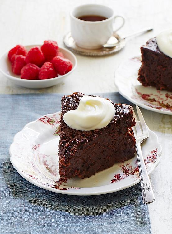 Chocolate Cinnamon Late Cake