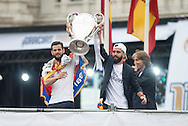 Real Madrid players celebrate winning the UEFA Champions League with an open top bus tour at Cibeles Square, Madrid<br /> Picture by EXPA Pictures/Focus Images Ltd 07814482222<br /> 29/05/2016<br /> ***UK &amp; IRELAND ONLY***<br /> EXPA-ESP-160529-0117.jpg