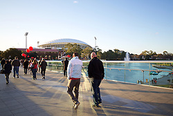 ADELAIDE, AUSTRALIA - Monday, July 20, 2015: Liverpool supporters cross the footbridge on their way to the Adelaide Oval before a preseason friendly match against Adelaide United on day eight of the club's preseason tour. (Pic by David Rawcliffe/Propaganda)