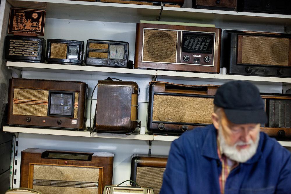 Old Radio - Hobby Elektro Laden in der Vysheradska.