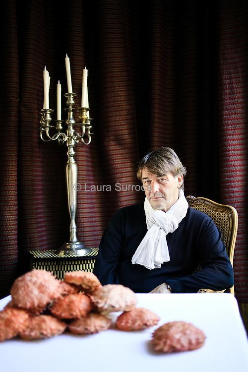 Jean Pierre Vigato, chef cuisinier. Restaurant Apicius, à Paris, le 4 novembre 2011.