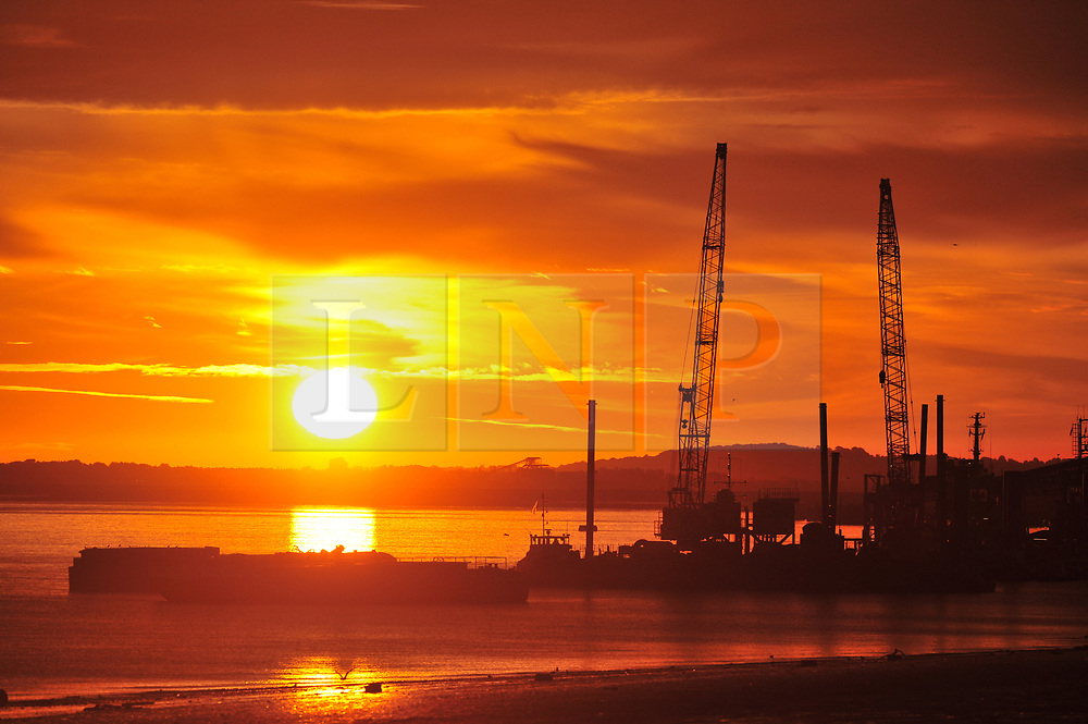 © Licensed to London News Pictures. 08/09/2018<br /> Gravesend, UK.<br /> Gravesend sunrise over the River Thames this morning in Kent.<br /> Photo credit: Grant Falvey/LNP