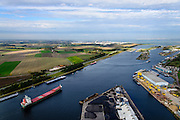 Nederland, Zeeland, Zeeuws-Vlaanderen, 19-10-2014; Terneuzen, Kanaal Gent - Terneuzen. Ingang kanaal en sluizen gezoen naar de Westerschelde. <br /> Channel Gent - Terneuzen, entrance and locks.<br /> luchtfoto (toeslag op standard tarieven);<br /> aerial photo (additional fee required);<br /> copyright foto/photo Siebe Swart