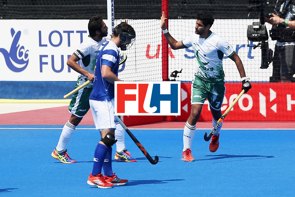 LONDON, ENGLAND - JUNE 19: Muhammad Arslan Qadir of Pakistan celebrates scoring his sides second goal with his Pakistan team mates during the Pool B match between Scotland and Pakistan on day five of Hero Hockey World League Semi-Final at Lee Valley Hockey and Tennis Centre on June 19, 2017 in London, England.  (Photo by Alex Morton/Getty Images)