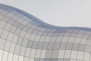 Roof of the Sage Gateshead constructed of stainless steel panels with a linen finish to reduce glare. Opened 17 December 2004 Architect: Foster and Partners, Engineer: Buro Happold