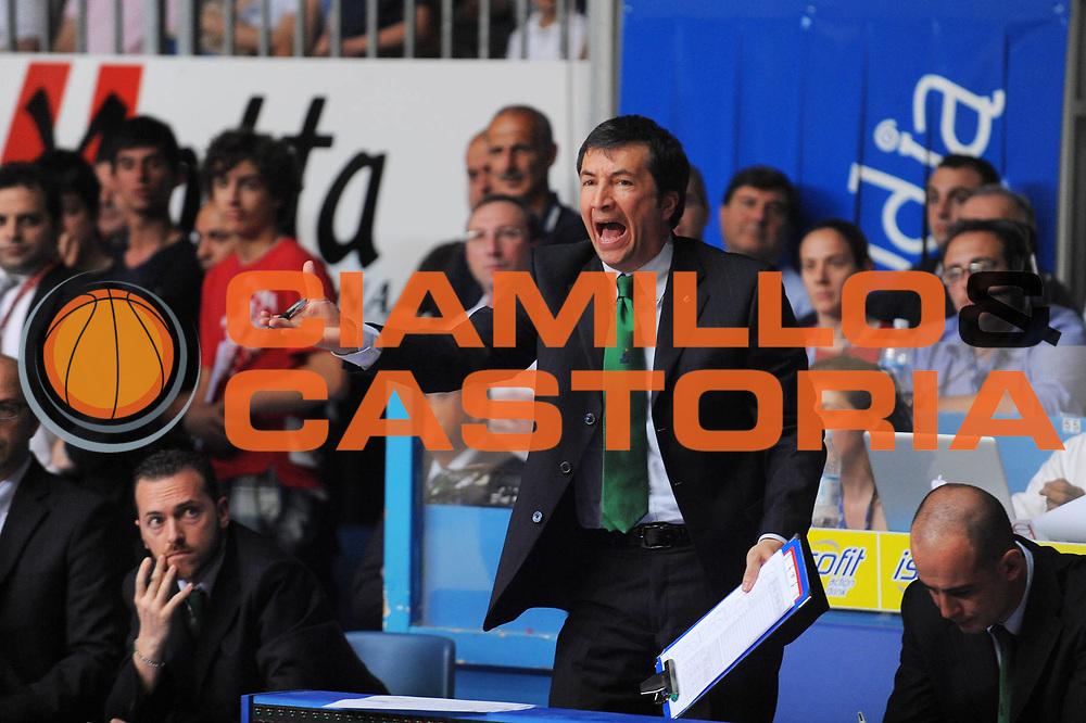 DESCRIZIONE : Cantu Lega A 2010-11 Finale Play off Gara 3 Bennet Cantu Montepaschi Siena<br />GIOCATORE : Assistan Coach Luca Banchi<br />SQUADRA : Montepaschi Siena<br />EVENTO : Campionato Lega A 2010-2011<br />GARA : Bennet Cantu Montepaschi Siena<br />DATA : 15/06/2011<br />CATEGORIA : Ritratto<br />SPORT : Pallacanestro<br />AUTORE : Agenzia Ciamillo-Castoria/A.Dealberto<br />Galleria : Lega Basket A 2010-2011<br />Fotonotizia : Cantu Lega A 2010-11 Finale Play off Gara 3 Bennet Cantu Montepaschi Siena<br />Predefinita :