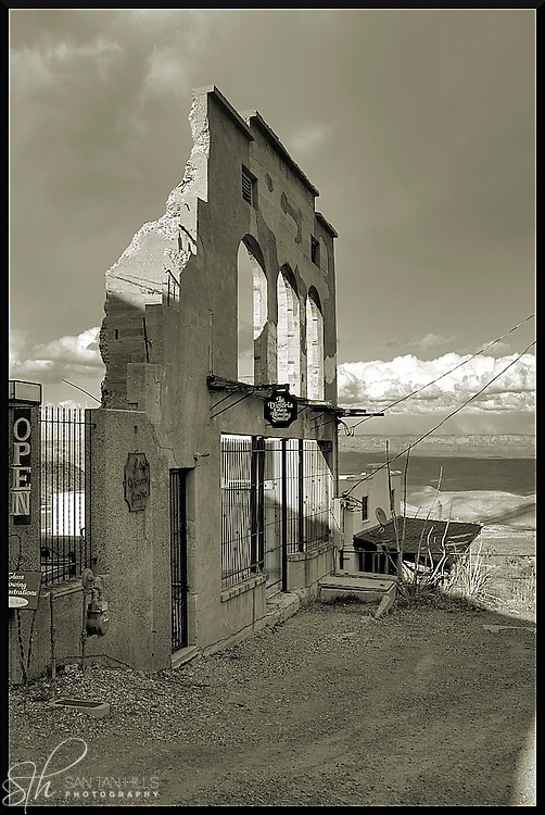 Building ruins in Jerome