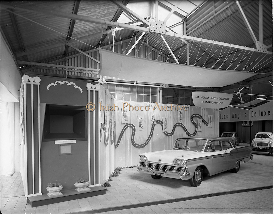05/05/1959.05/05/1959.05 May 1959.Ford stands at the R.D.S. Spring Show.