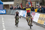 BELGIUM / NAMEN / NAMUR / CYCLING / WIELRENNEN / CYCLISME / CYCLOCROSS / CYCLO-CROSS / VELDRIJDEN / WERELDBEKER / WORLD CUP / COUPE DU MONDE / JUNIORS / AANKOMST / FINISH / ARRIVEE / ZIEL / ADAM TOUPALIK (CZE)  YANNICK PEETERS (BEL) /
