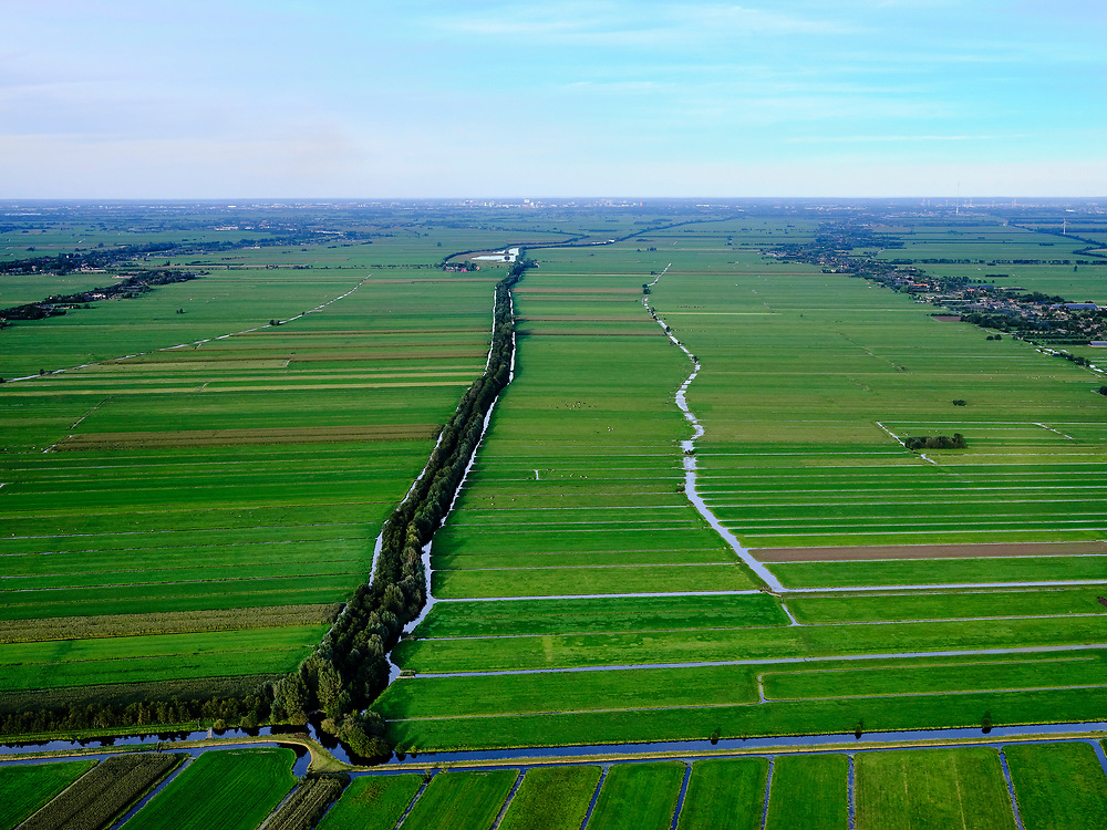 Nederland, Zuid-Holland, Krimpenenerwaard, 14-09-2019; Zicht op veenweidegebied, Benschopse wetering. Tienweg. Polders ten oosten van Stolwijk en Vlist.<br /> View on peat meadow area, Polders east of Stolwijk, South Holland.<br /> <br /> luchtfoto (toeslag op standard tarieven);<br /> aerial photo (additional fee required);<br /> copyright foto/photo Siebe Swart