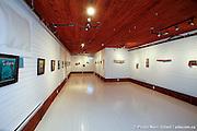 """""""Plateau double"""", exposition des illustrations de Luc De Larochellière et """"lieu de visite"""" de l'artiste Guylaine Côté lors du 29e Festival en Chanson de Petite-Vallée couvert pour Francophonie Express  -  Gaspésie / Petite_Vallée / Canada / 2011-06-25, © Photo Marc Gibert / adecom.ca"""